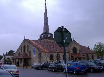Place de l'église à Saint Jean de Monts